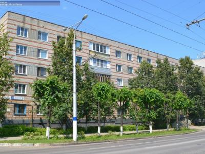 ул. Винокурова, 32