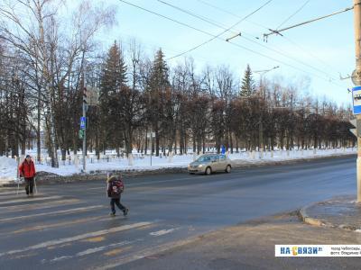 Светофор у сквера Чапаева