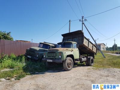 Старые грузовики