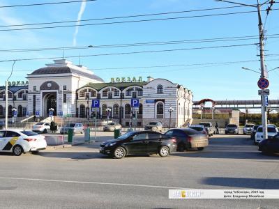 Платная автопарковка перед ж/д вокзалом