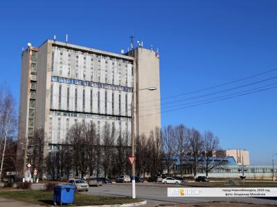 ул. Винокурова, 1А