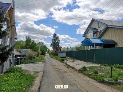 ул. Яблоневая 28 (большой дом справа)