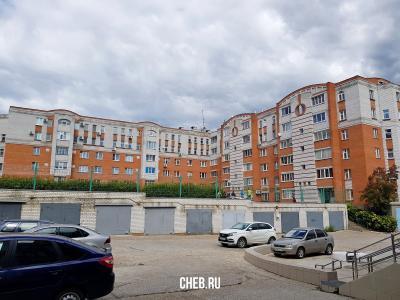 ул. Винокурова, 8