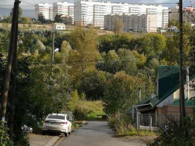 Вид на улицу Спартака (на заднем плане Садовый микрорайон)