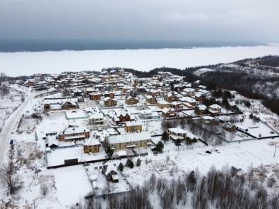 Вид сверху на коттеджный поселок