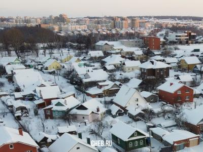 Вид сверху на дома на улице Нахимова