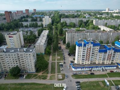 Вид сверху на Школьный бульвар