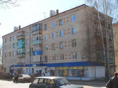 ул. М.Жукова, 13