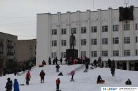 Памятник у администрации
