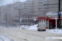 "Остановка ""Улица Ахазова"" во время снегопада"