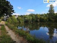 Дорожка вдоль пруда