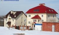 Дом 4 по улице Надежды (справа)