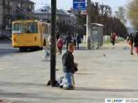 "Попрошайка на остановке ""Улица Николаева"""