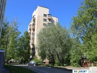 Московский проспект 31А среди зелени