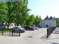 Автостоянка за администрацией Новочебоксарска