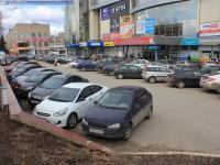 Автомобильная парковка перед МТВ-центром