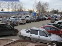 Автомобильная парковка возле МТВ-центра