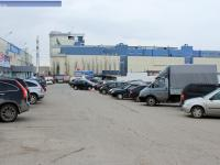 "Автомобильная парковка возле ""Гранд-Сити"""