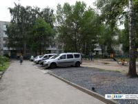 Самодельная парковка у дома