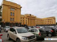 Желтый дом правительства парковка