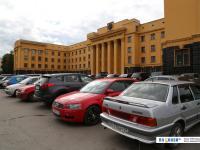 Парковка дома правительства
