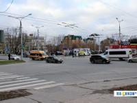 Перекресток проспекта Максима Горького и улицы Гузовского
