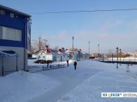 Территория у ледового катка