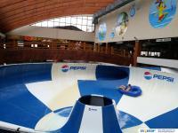 Внутри аквапарка Ривьера