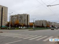 Перекресток проспекта Тракторостроителей и улицы Баумана