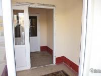 Подъезд входная дверь