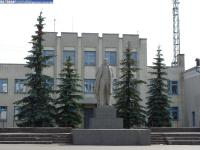 Памятник Ленину и школа искусств в Ибресях