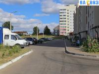 Парковка у дома Айги 13к1