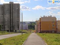 Пешеходная дорожка по улице Дементьева