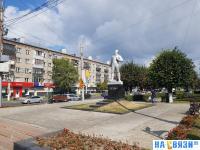 Памятник космонавту Юрию Гагарину