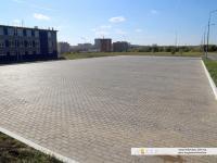 Автомобильная парковка перед зданием ЭнергоМаша