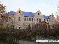 Здание бывшей администрации силикатного завода