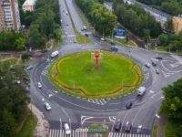 Автомобильное кольцо на улице Гузовского