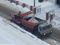 Уборка снега на улице Сверчкова