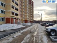 Парковка у дома ул. Миначева 17