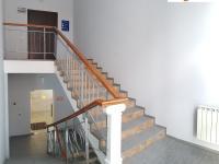 Центральная лестница - второй и третий этажи офисного центра