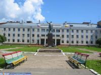ХБК, памятник Ленину