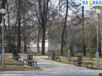 Скамейки в сквере Михаила Сеспеля