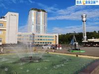 У фонтана на площади Речников