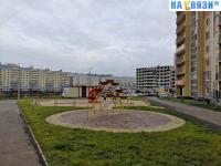 Площадка у дома