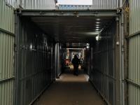 Дорожка через контейнеры на Ярмарке на Гладкова
