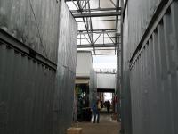 Дорожка через контейнерные ряды