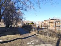 Пешеходная дорожка вдоль детского сада
