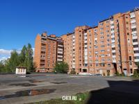 Во дворе дома ул. Сверчкова 8