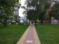 Пешеходная дорожка с детской площадки
