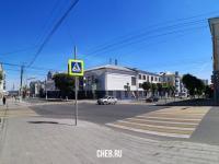 Перекресток улиц Карла Маркса и Дзержинского